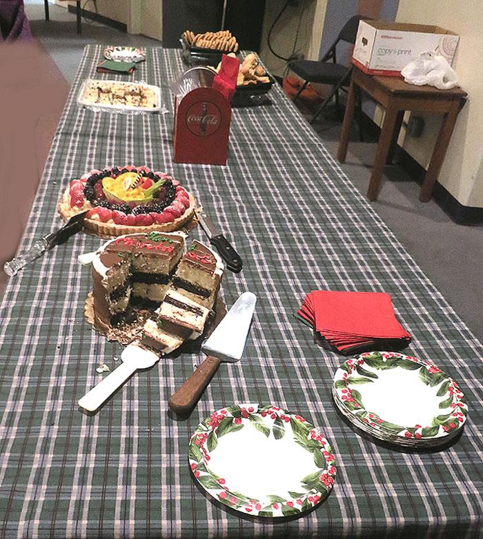 Dessert table, 7x7.8, 100